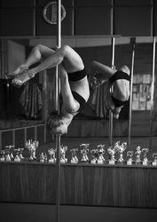 Танец на шесте,  танец на пилоне Pole dance