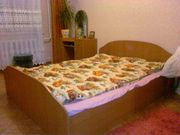кровать и туал.столик